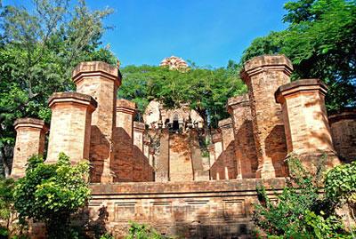 Di tích  Tháp Bà Ponagar – Nha Trang