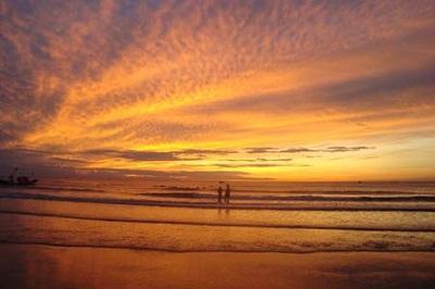 Biển Hải Hòa – 1 trong 6 bãi biển hấp dẫn nhất 2014