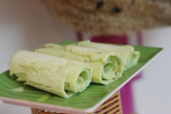 Kem cuộn chảo Thái