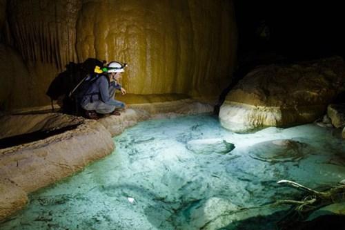 Tour thám hiểm Hang Va
