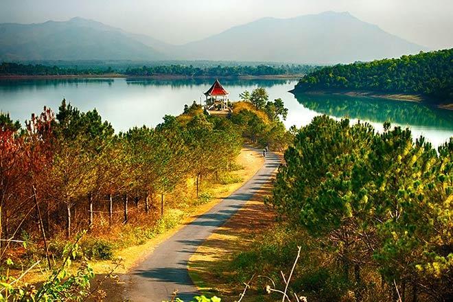 Biển Hồ - Viên ngọc nổi của Pleiku