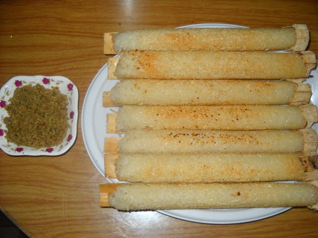 Cơm lam là món ăn luôn được du khách mong đợi thưởng thức khi du lịch Mai Châu
