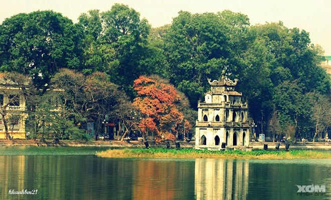 Hồ Hoàn Kiếm đẹp thanh bình giữa lòng thủ đô