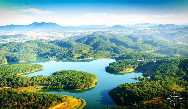 Nét đẹp của Hồ Tuyền Lâm
