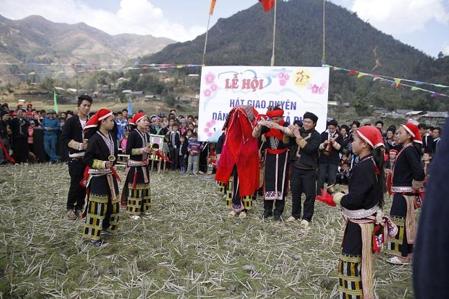 Đặc sắc lễ hội hát giao duyên của đồng bào Tây Bắc