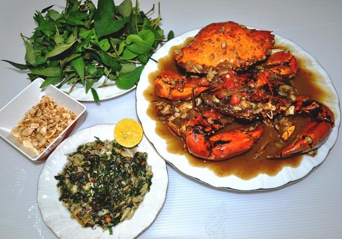 Món tiết canh cua Phú Quốc