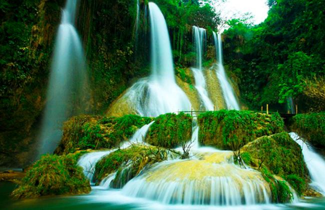 Vẻ đẹp thơ mộng của thác Dải Yếm