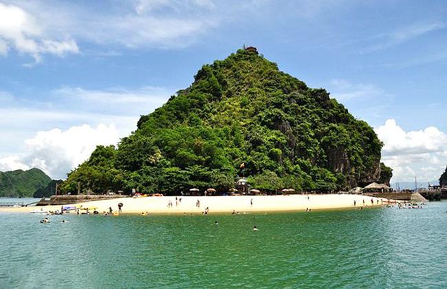 Thám hiểm kỳ quan thiên nhiên Vịnh Hạ Long