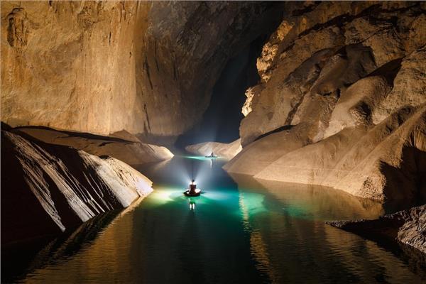 Khám phá hang Sơn Đoòng- Hang động lớn nhất thế giới
